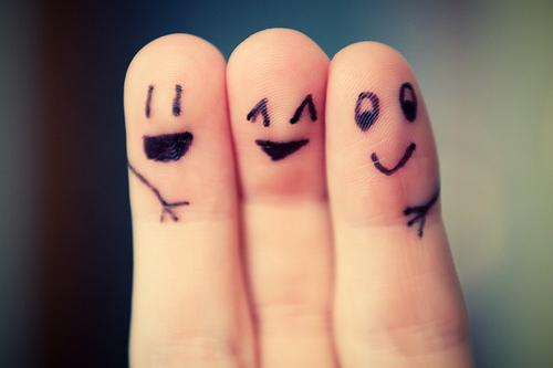 fingers-friends-happy-hug-smile-Favim.com-111528_large