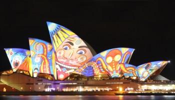 Iconic Sydney Opera House during Vivid Sydney 2013 (Photo courtesy Wikimedia)