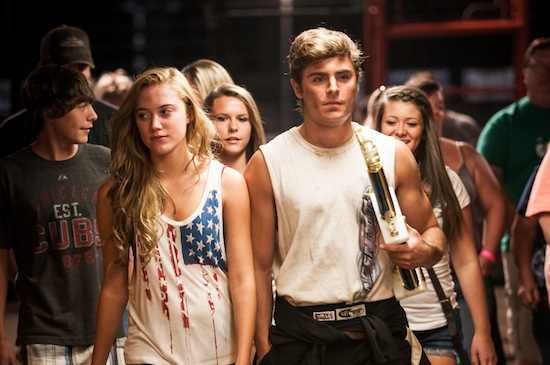 Maika Monroe (l) as Cadence and Zac Efron as Dean; Photo by Matt Dinerstein, Courtesy of Sony Pictures Classics