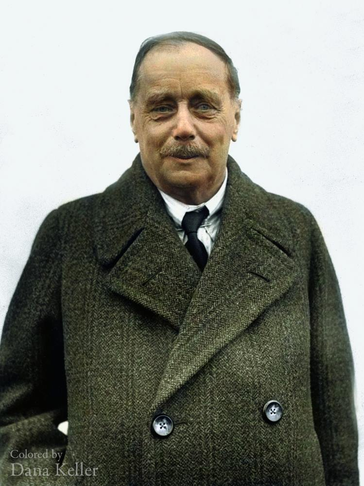 HG Wells colorized photo
