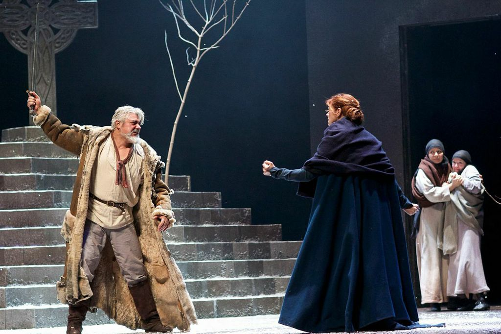 Darrell D'Silva as Siward and Siobhan Redmond as Gruach in Dunsinane.