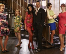 Mad_Men_Stairs_Jon_Jessica_Elisabeth_January_Kiernan_Christina_CulturalWeekly