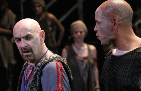 l-r, Martin Rayner as Creon clashes with Joshua Wolf Coleman as Oedipus in Oedipus Machina