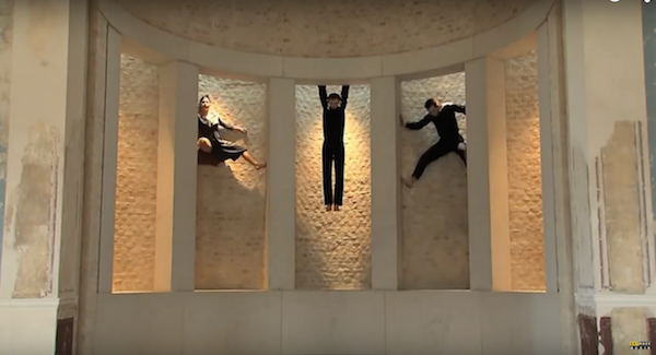 Three dancers engage in a dialogues with space at the Neues Museum