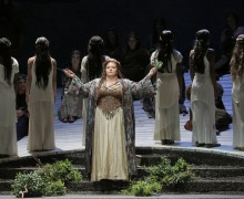 Angela Meade as Norma (c) LA Opera