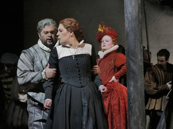Celso Albelo, Sondra Radvanovsky, and Elza van der Heever in Donizetti's Maria Stuarda at the Metropolitan Opera. Credit: Ken Howard