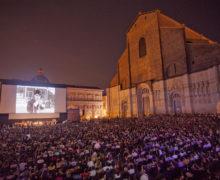 Piazza Maggiore-Chaplin 3