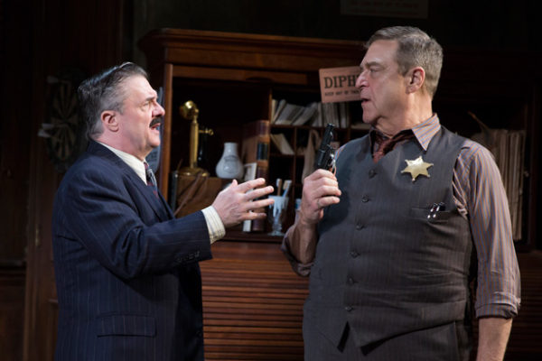 Nathan Lane and John Goodman in The Front Page Credit: Julieta Cervantes