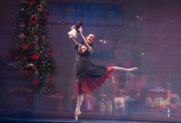 Los Angeles Ballet's Nutcracker Photo by Reed Hutchinson