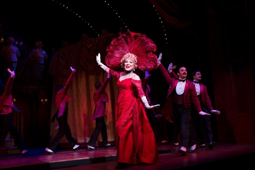 Bette MIdler in Hello, Dolly! Photo: Julieta Cervantes