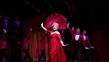 Bette MIdler in Hello, Dolly! Photo: Julieta Cervantes