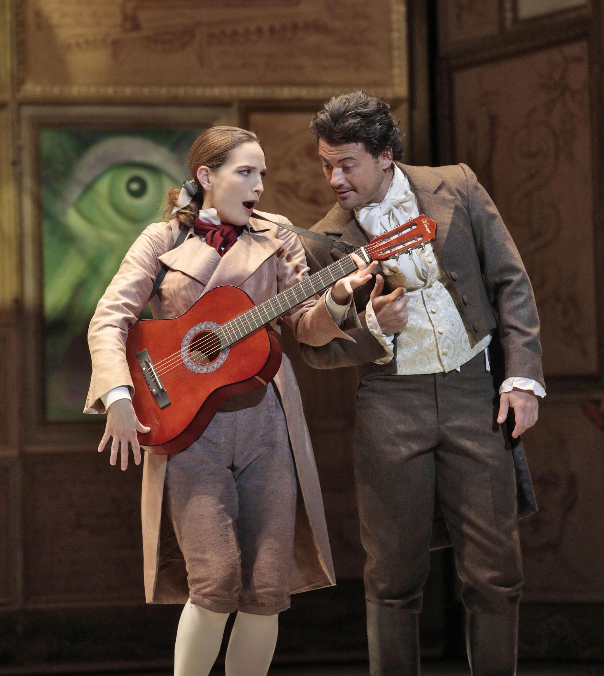 Kate Lindsay (Niklausse), Vittorio Grigolo (Hoffmann). Photo Ken Howard-LA Opera