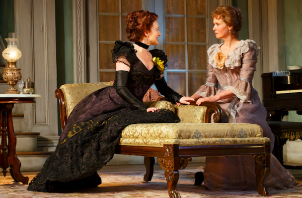 Laura Linney and Cynthia Nixon in The Little Foxes. Credit: Joan Marcus