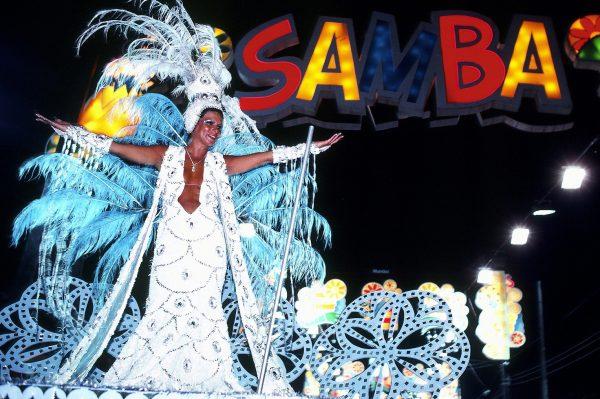 Samba parade, Rio Carnaval (c) Elisa Leonelli 1983