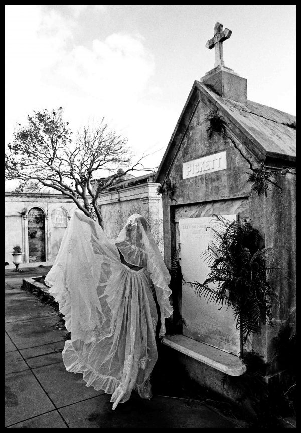 Cemetery ghost, New Orleans (c) Elisa Leonelli 1976