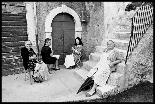 Women. Montepagano, Abruzzi. July 1976