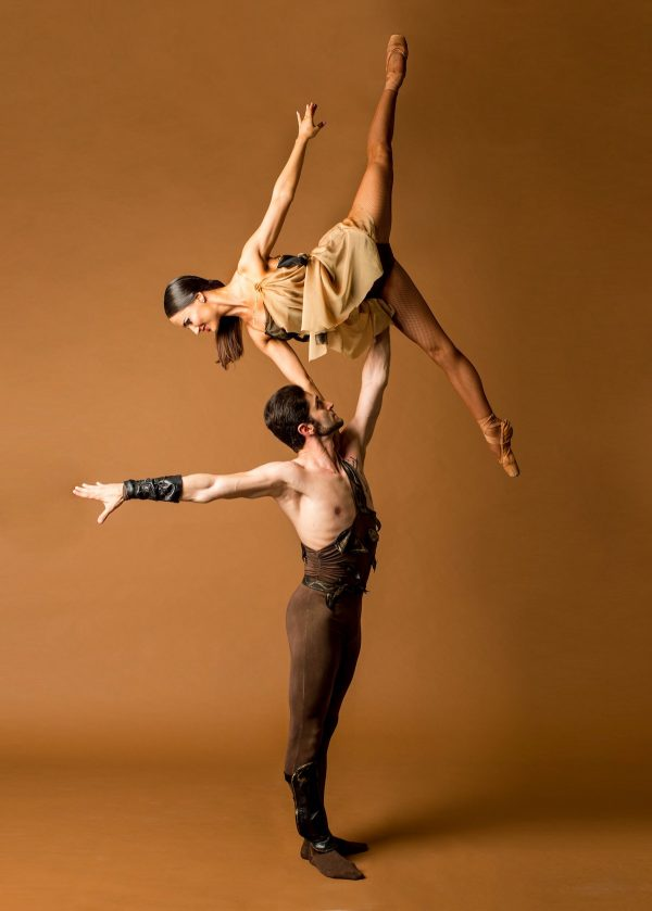 Pacific Ballet Dance Theatre's Eduard Sargysan and Inga Demetryan in Spartacus. Photo courtesy of PBDT.