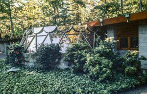 """Rayward–Shepherd House, """"Tirranna,"""" New Canaan, CT, 1955. Photo: R&R Meghiddo."""