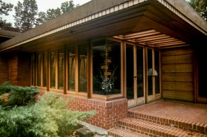 Melvin Maxwell and Sara Stein Smith House, Bloomfield Hills, MI, 1950. Photo: R&R Meghiddo.