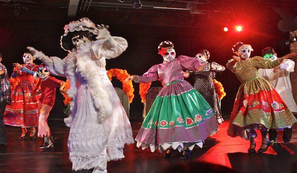 Danza Floricanto/USA. Photo by Frank Sandoval.