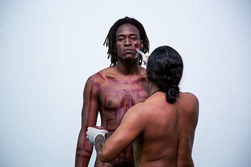Carlos Martiel, Lamento Kayapó (Kayapó Lament), 2017, Despina, Rio de Janeiro, Brazil. ph_ Denise Adams