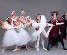 "Les Ballets Trockadero de Monte Carlo in ""Swan Lake"".  Photo courtesy of the artists."