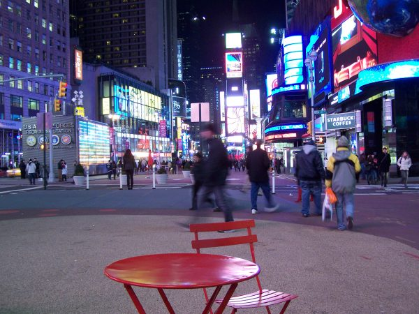 Time_Square_red_table_2010