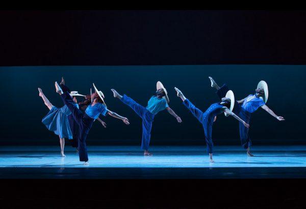Alvin Ailey American Dance Theater. Photo by Paul Kolnik.
