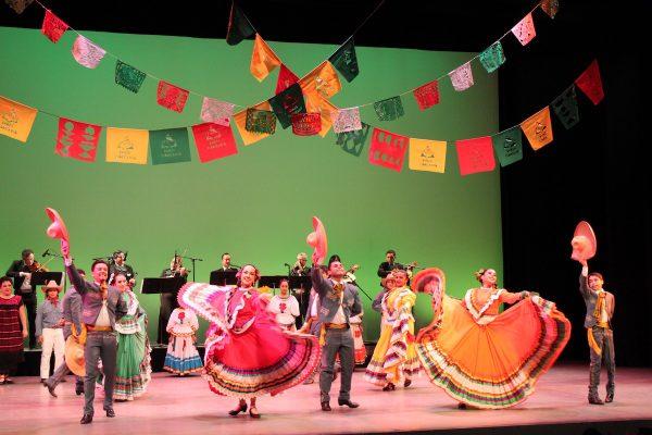 "Danza Floricanto/USA's ""5 de Mayo"". Photo by Frank Sandoval."