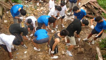 1200px-Service_Learning_at_Batam