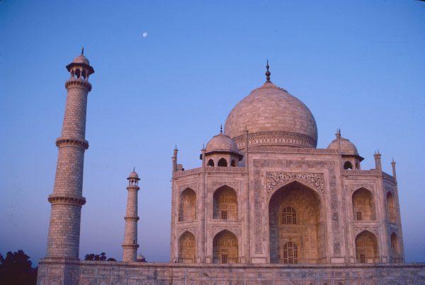 Taj Mahal-Agra, India © Elisa Leonelli 1984