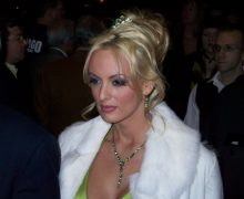Stormy_daniels_at_2007_avn_awards_red_carpet
