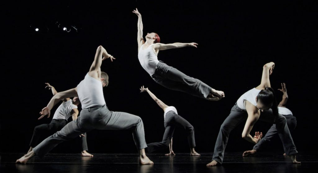 Invertigo Dance Theatre. Photo by Joe Lambie.