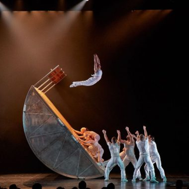 Diavolo Architecture in Motion.  Photo by George Simian.