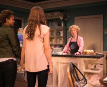 Awkwardness ensues when Macy and Jen ask Della to bake their wedding cake.