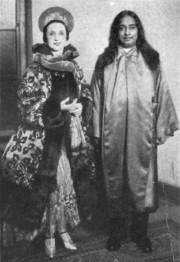 Amelita with Yogananda 1927