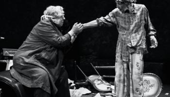 Jayne Houdyshell and Glenda Jackson in King Lear. Credit: Brigitte Lacombe