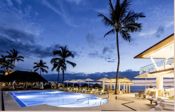 Villa Premiere pool