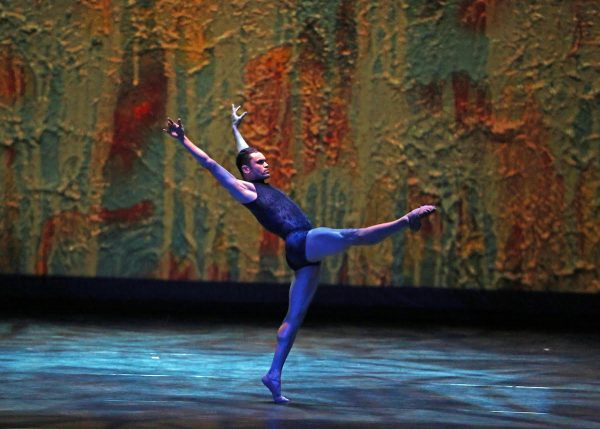 Raiford Rogers Modern Ballet's Gustavo Barros. Photo by A.Trelease..