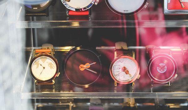 Watches in the window. Photo by Toa Heftiba on Unsplash