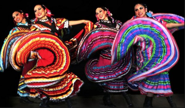 Ballet Folklorico Ollín. Photo courtesy of the artists.