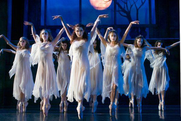 """Inland Pacific Ballet in """"Dracula."""" Photo by E.Y. Yanagi."""