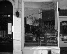Store front of Yan's café