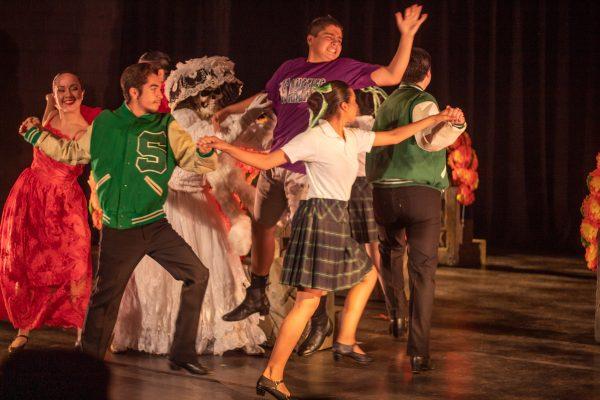 Danza Floricanto/USA. Photo by Rebecca Borgen Ballestreros.