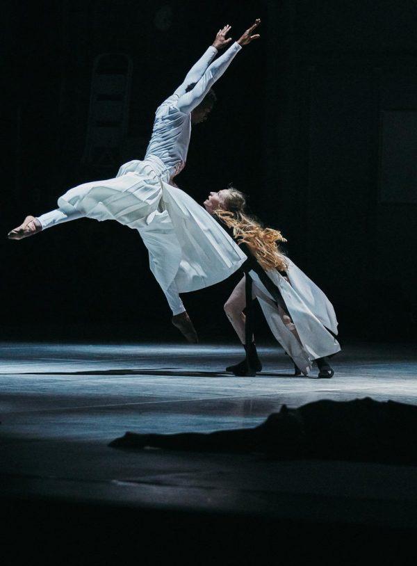 LA Dance Project. Photo by Daniel Beres.