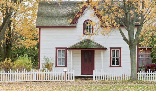 Home on an autumn day. Photo by Scott Webb via Unsplash.