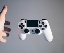 PS4 Controller. Photo by Nikita Kachanovsky via Unspalsh.