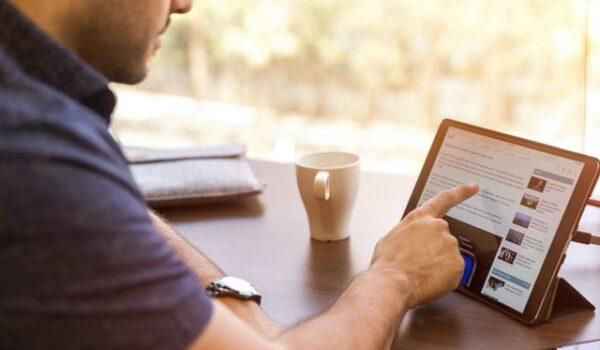 Man using tablet.
